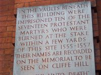 plaque to protestant martyrs on Lewes Town Hall